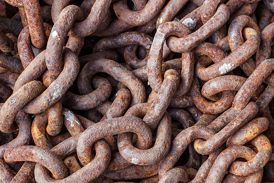 Pile of Rusty Chain Links