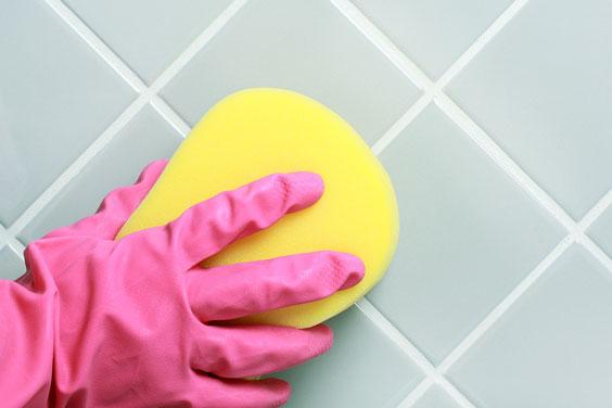 Cleaning Bathroom Tile