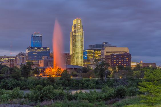 Omaha, Nebraska Skyline with Heartland of America Park Fountain