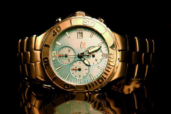 Water-resistant Titanium Wristwatch